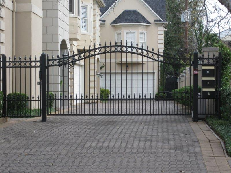 Automatic Swing Gates Texas Best Stain